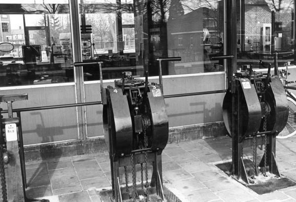 3. Windwerken t.b.v. de bediening van twee overwegen te Emmen d.d. 17 april 1983