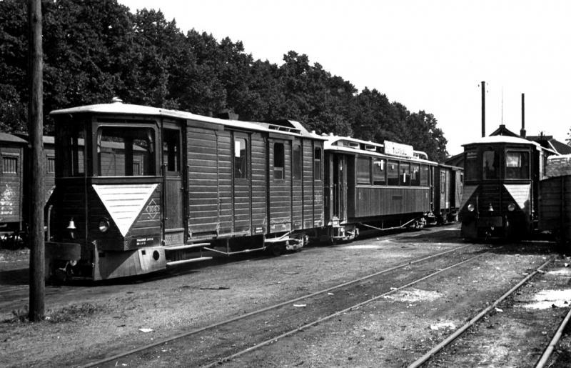 12 MBS DI (EL 106 + AB143) op het remiseterrein te Venlo, 30 juni 1936. (verz. MBS)