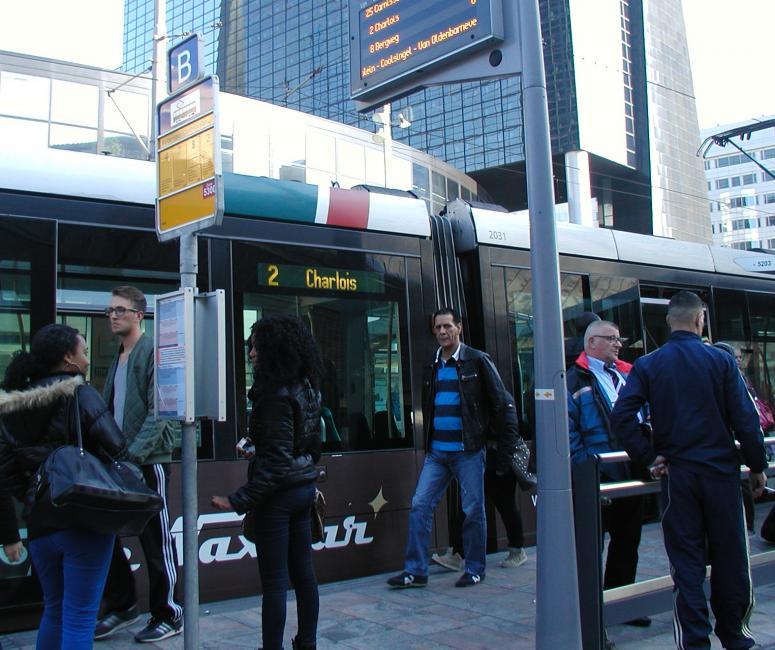 Voor het eerst sinds vele jaren rijdt lijn 2 weer van Centraal Station naar Charlois.