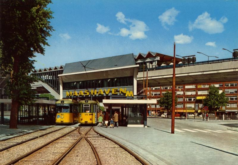 Het station MaashavenPrentbriefkaart uit de verzameling van SNR