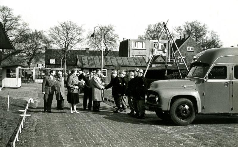 De reddingsdienst beschikte over een brandweerauto en een commandowagen.
