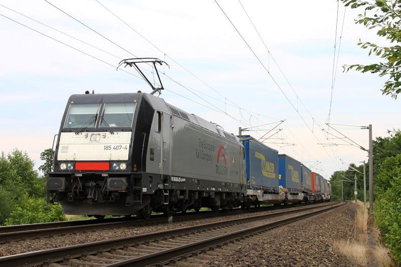 Een trein met opleggers onderweg op de route tussen Herne en Malmö