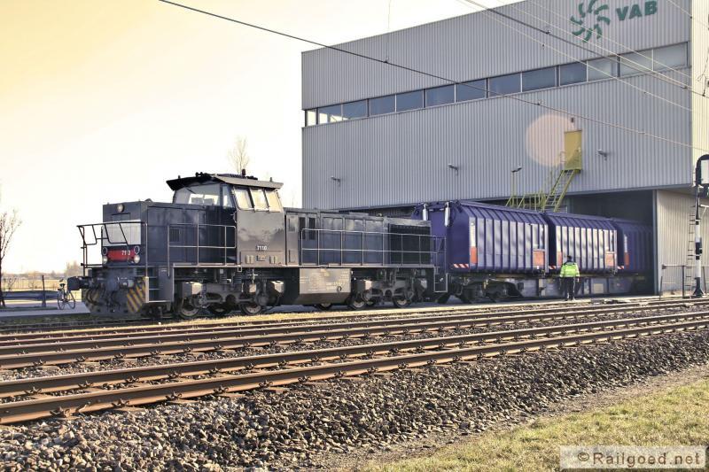 Vanaf 2 augustus 2008 tot de overname door Locon rijdt ACTS/HTRS deze trein. In 2010 worden er nog vijf beladen wagens in Noordwijkerhout opgehaald. ACTS 7110. 25 augustus 2010.