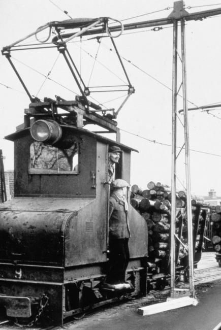 Elektrische locomotief van de papierfabriek Van Gelder Zonen