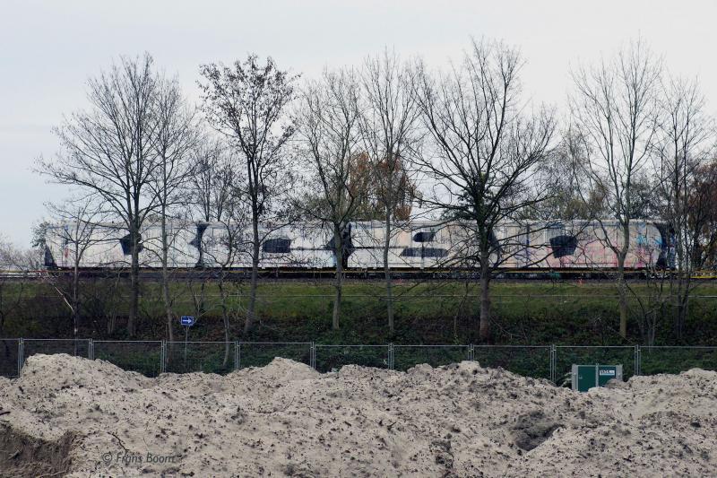 Eén Amsterdamse Zilvermeeuw-metro werd niet gesloopt. Diemen, opstelspoor Verrijn Stuartweg 21 november 2016