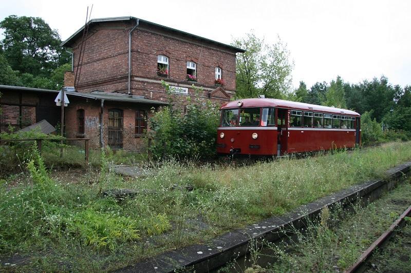 Excursietrein op de Heidekrautbahn in station Schildow op 18 juli 2009.