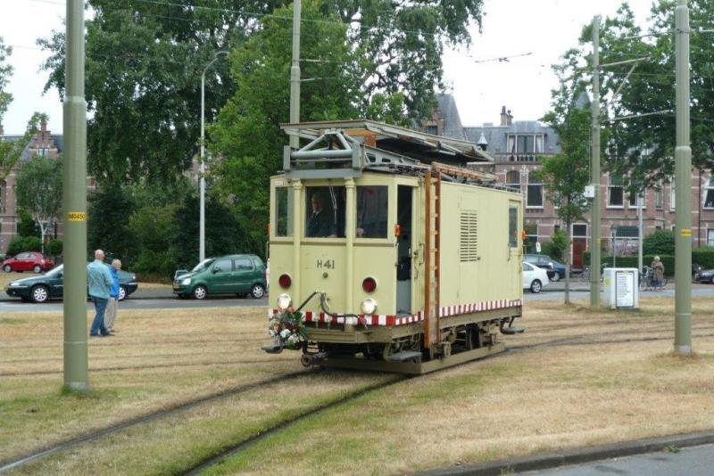 Dieselelektrische bovenleidingmontagewagen dieseltinus van de HTM.