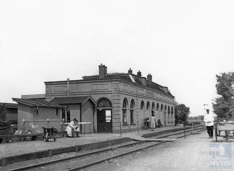 Het typische station van Hattemerbroek kende een revival, toen het op 1 juni 1940 weer opengesteld werd voor reizigers.