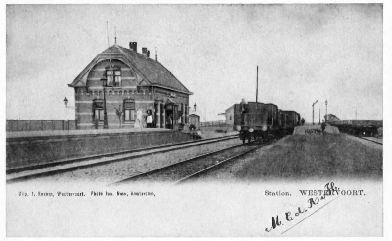Ansichtkaart van rond 1910. De rangeerdienst is actief in Westervoort.