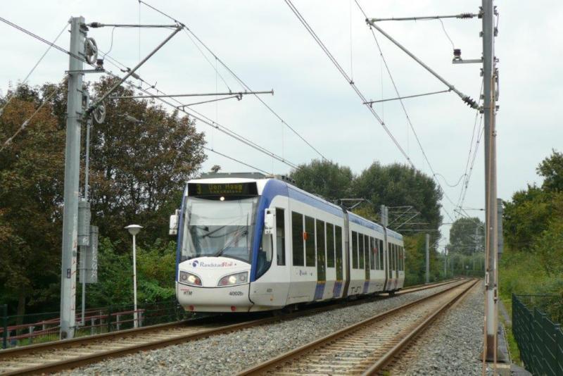 Op de foto bevindt de 3036 zich in Zoetermeer bij De Leijens; het is 23 september 2010
